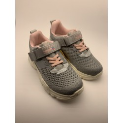 Sports shoes for girls